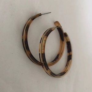 Pretty tortoise shell hoops -gold down middle.